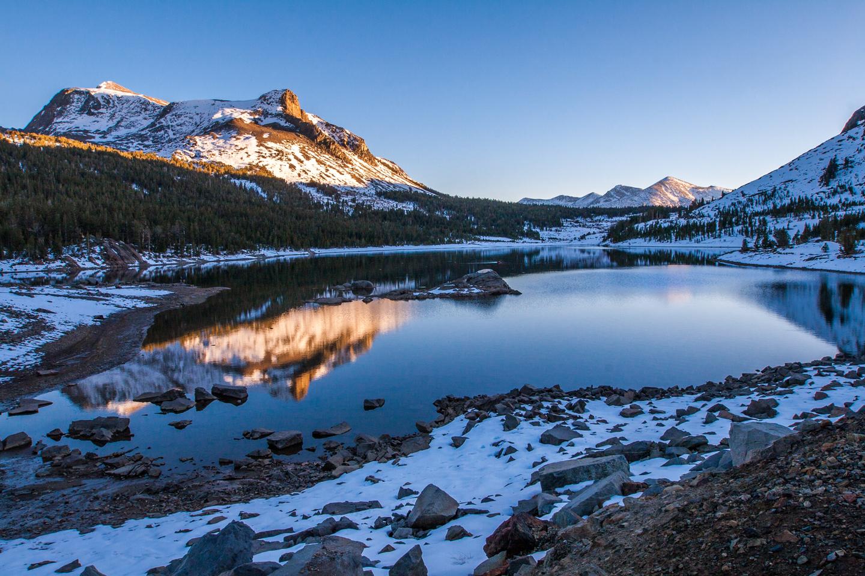 tioga-lake-reflection-sunset