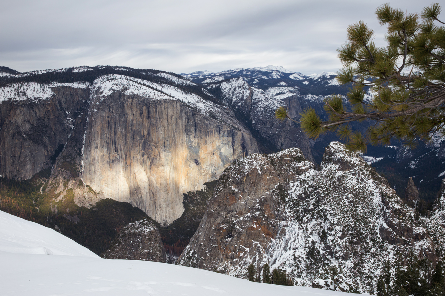 Snowshoeing to Dewey Point | Yosemite National Park, California