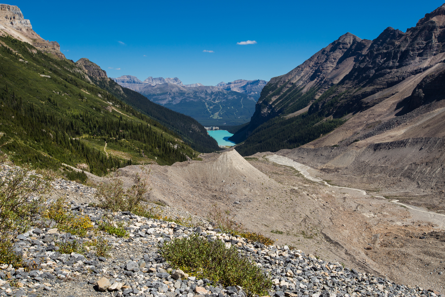 plain-of-six-glaciers-hike-lake-louise