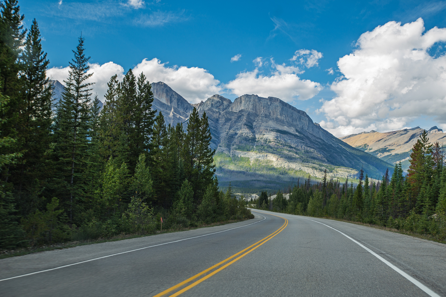 Driving the Icefields Parkway | Alberta, Canada