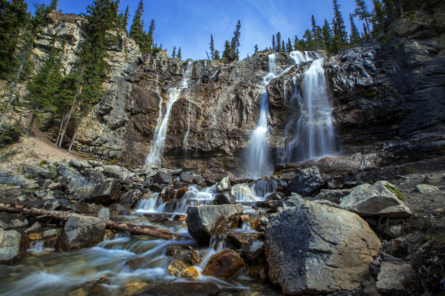 tangle-falls-icefields-parkway-upper-falls