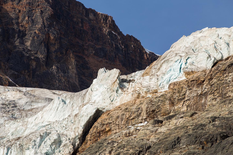 angel-glacier-jasper-path-of-the-glacier