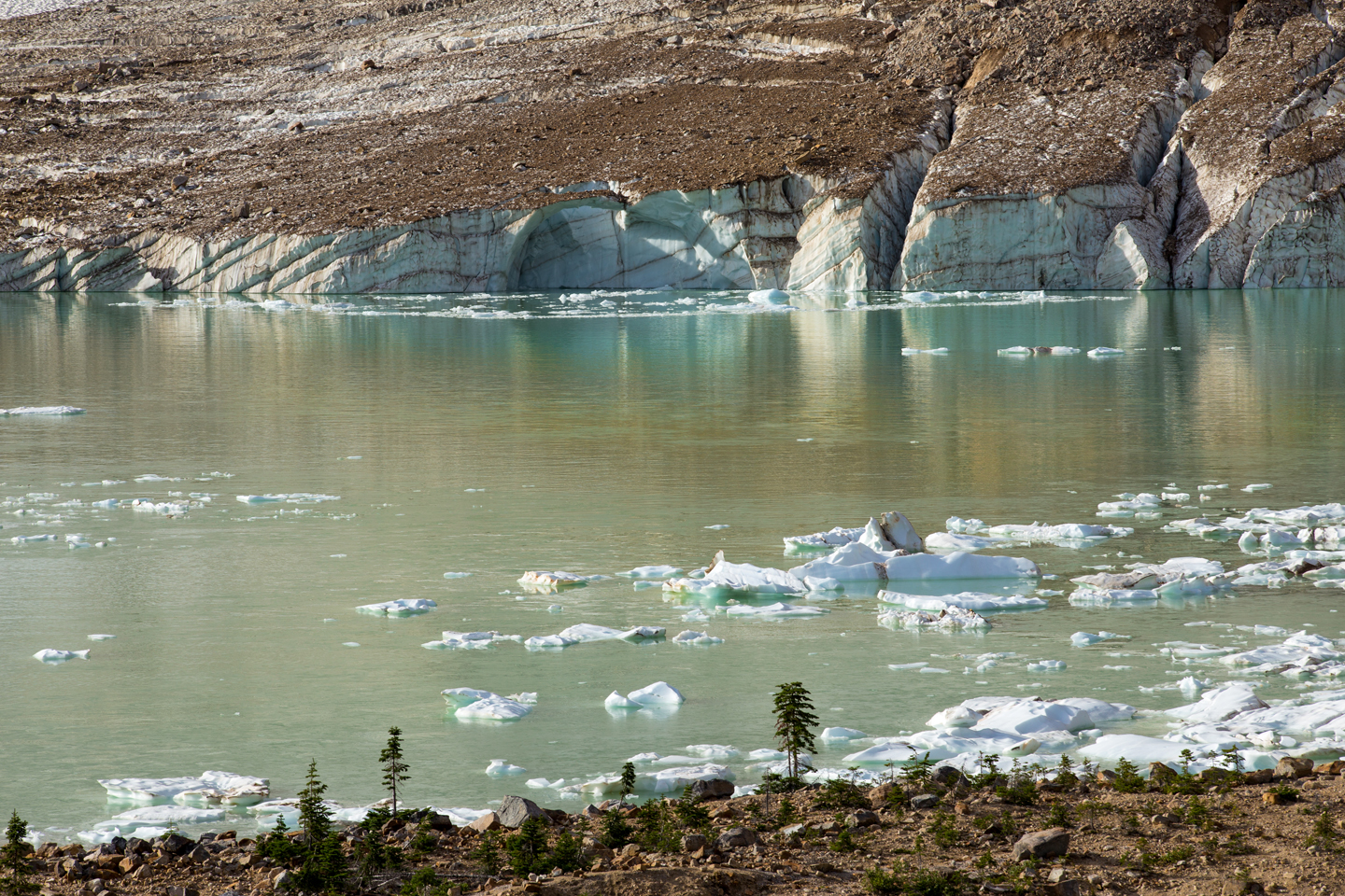 angel-glacier-lake-1