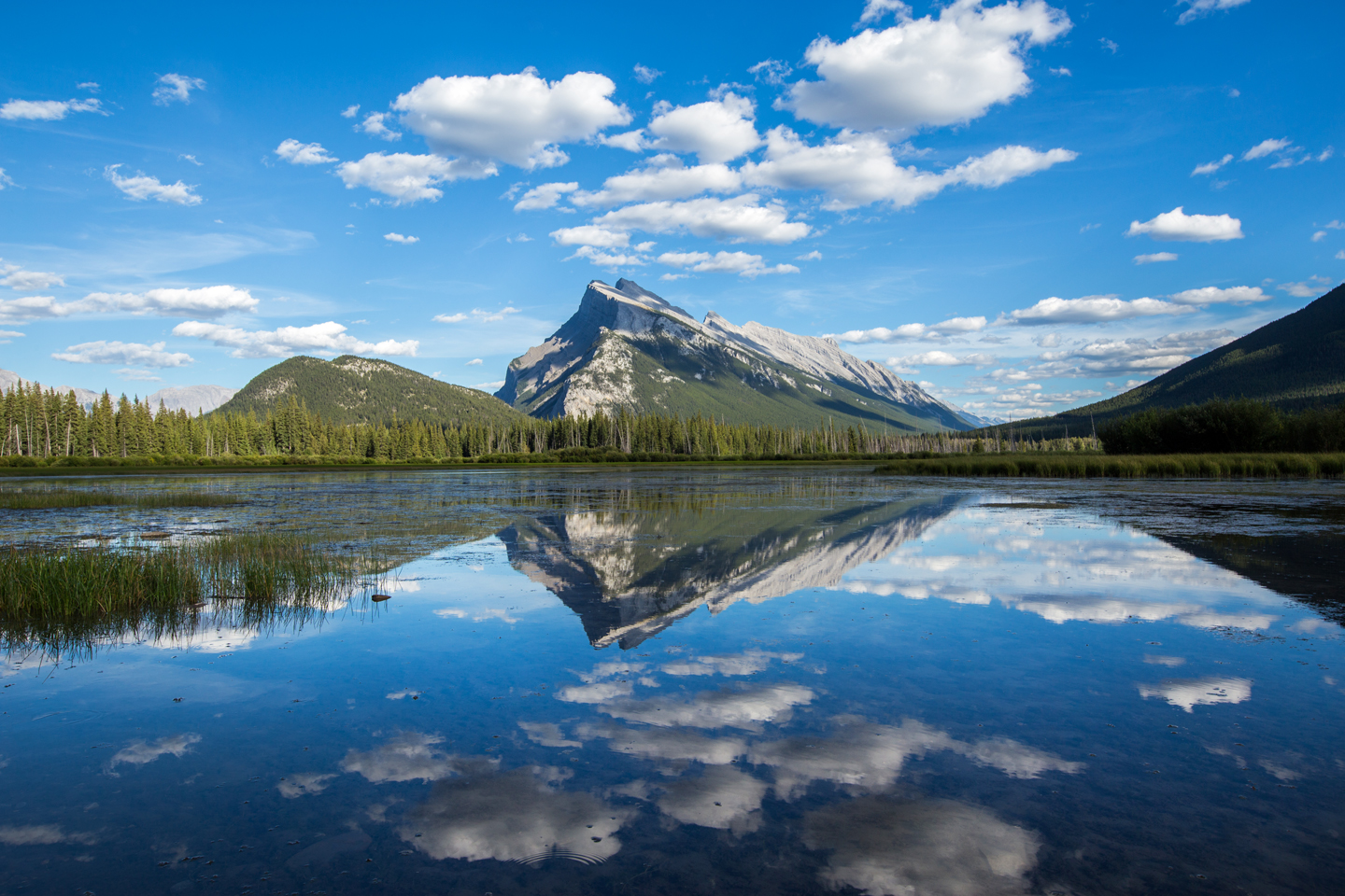 banff-vermillion-lakes-reflection