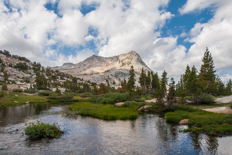 vogelsang-high-sierra-camp-lake