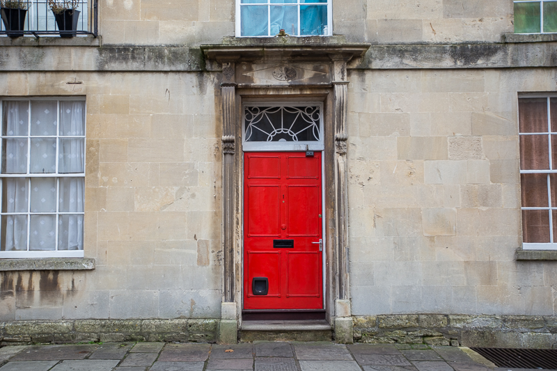 bath-red-door