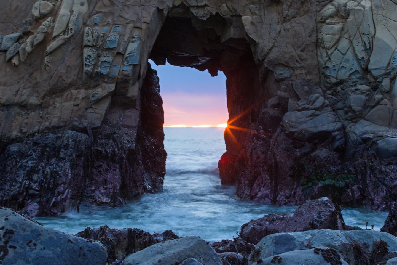 sunset-keyhole-arch-pfeiffer-beach