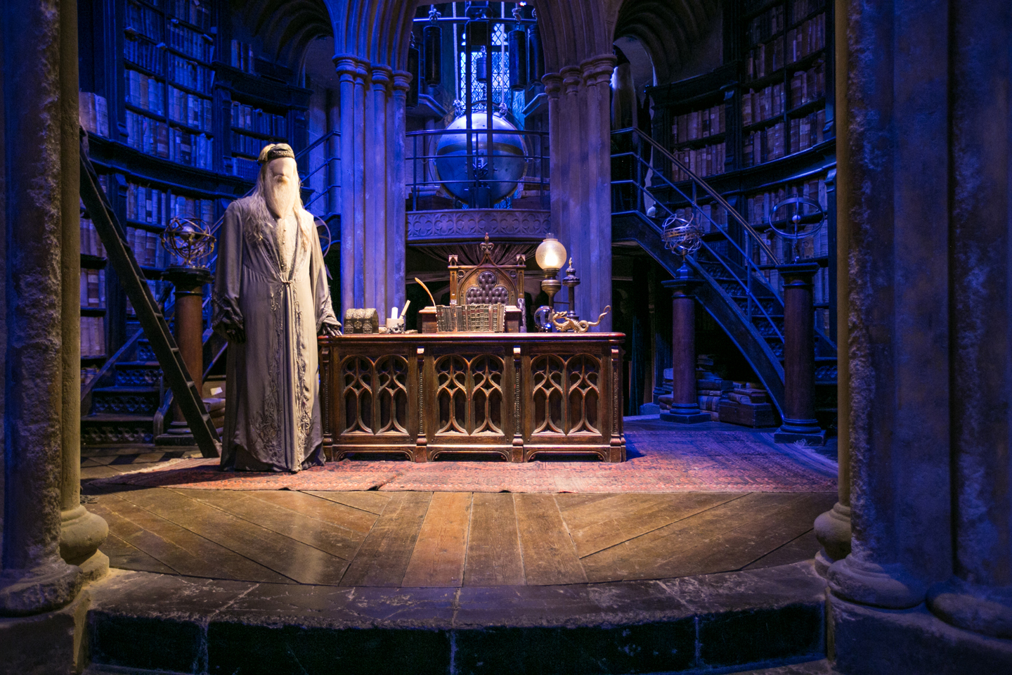 harry-potter-studio-tour-dumbledoor-office