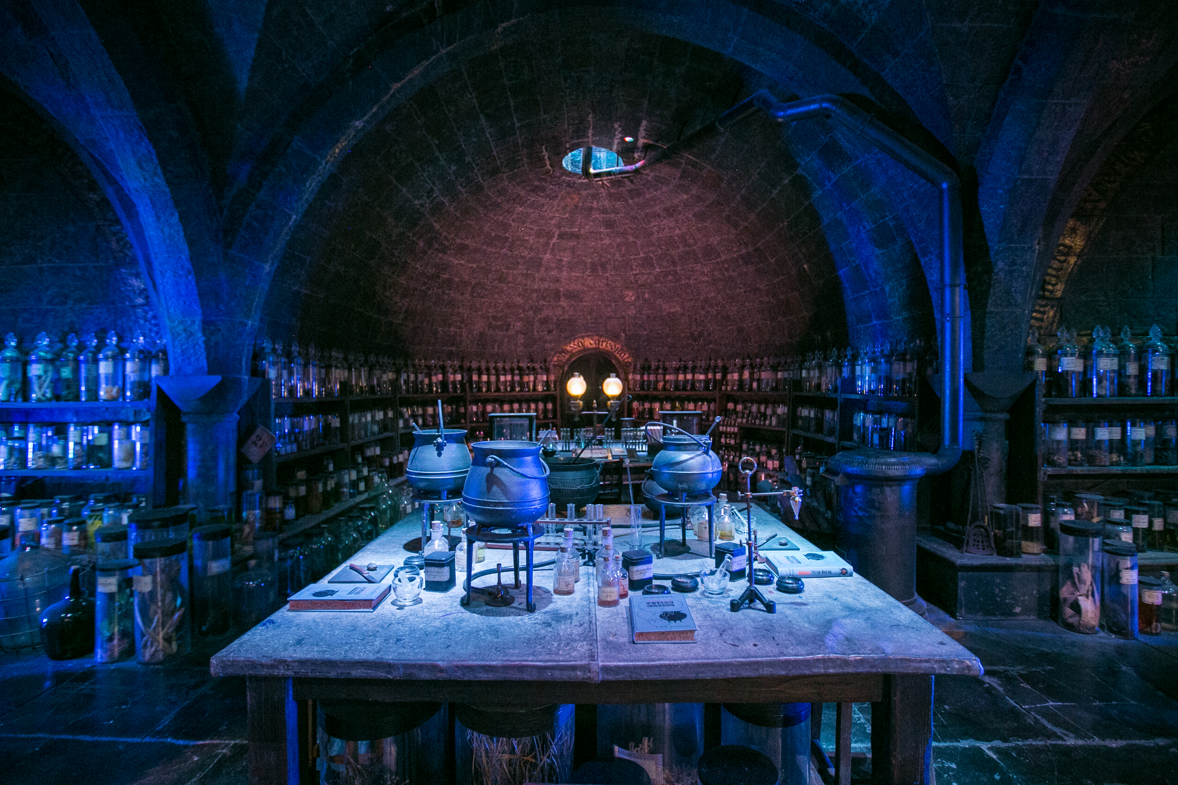 harry-potter-studio-tour-potions-classroom