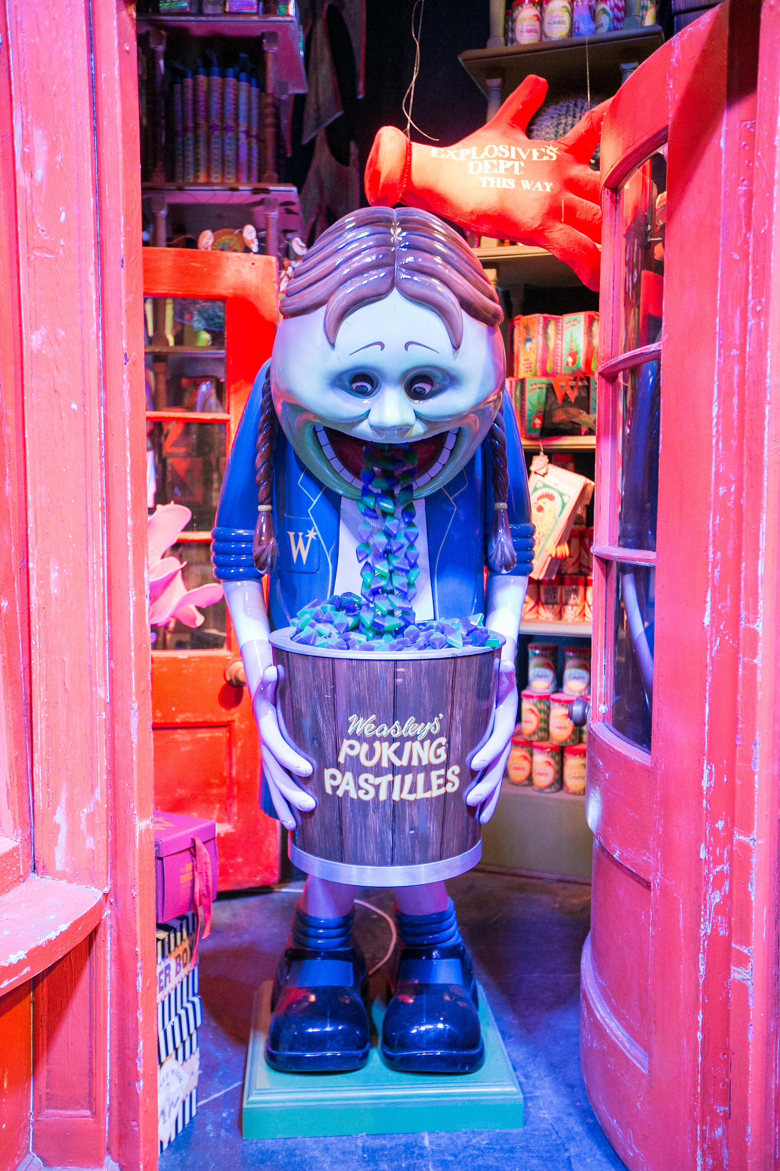 harry-potter-studio-tour-weasleys-wizard-wheeses