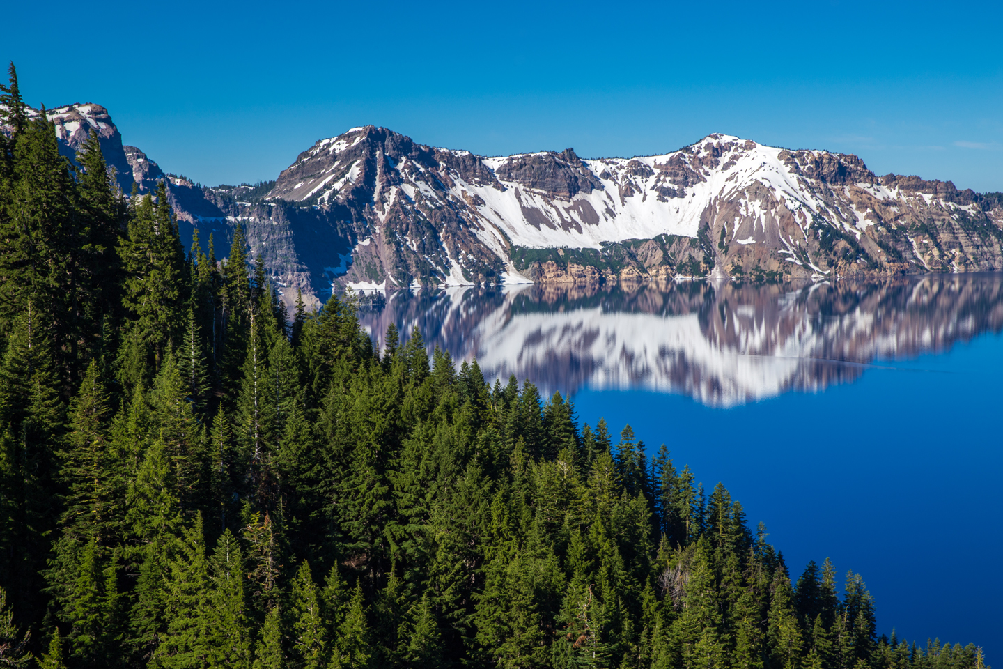 crater-lake-east-shore-morning