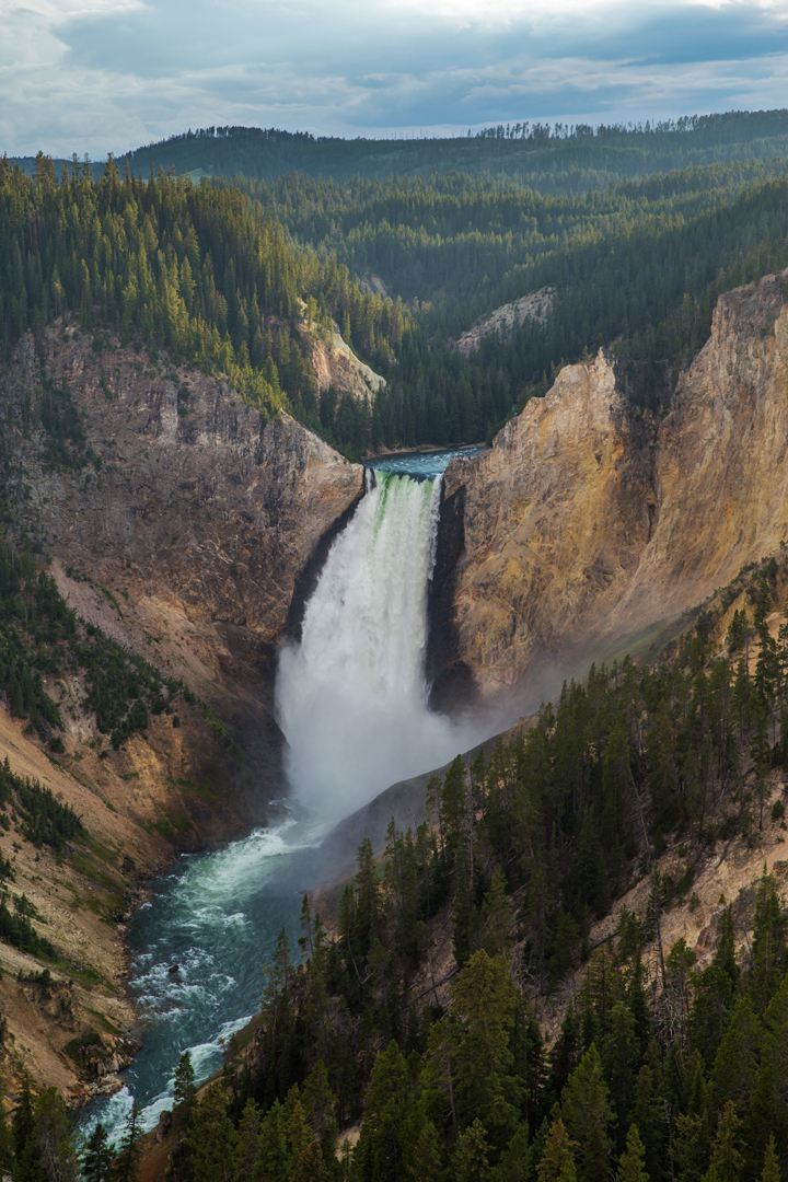 Driving the Yellowstone Loop in Yellowstone National Park