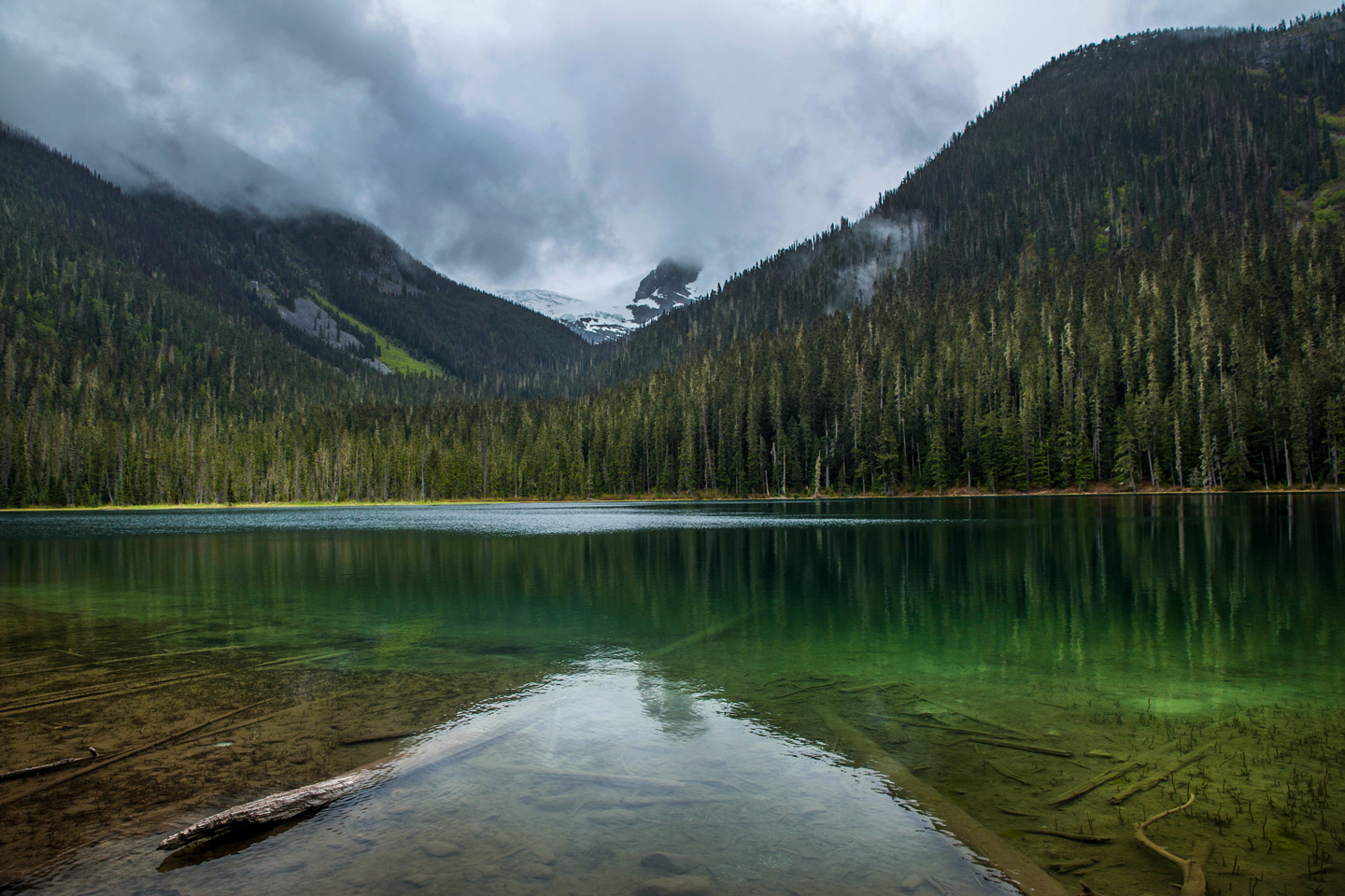 Hiking Joffre Lakes | British Columbia