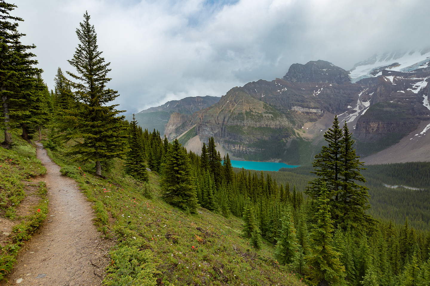 Hiking The Valley of Ten Peaks: Eiffel Lake Trail